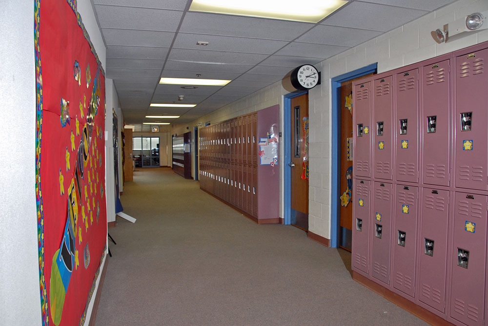 4-Upper-School-Hallway-fini_0